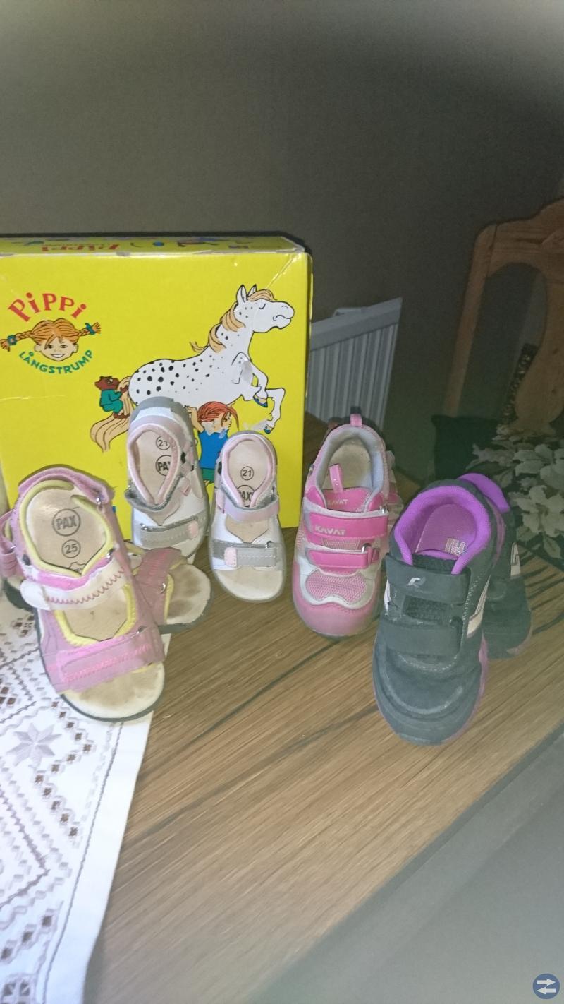 Barnkläder och Skor
