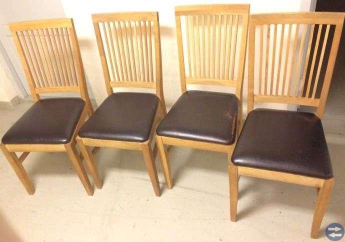 Matbord från ek med 4 läderstolar