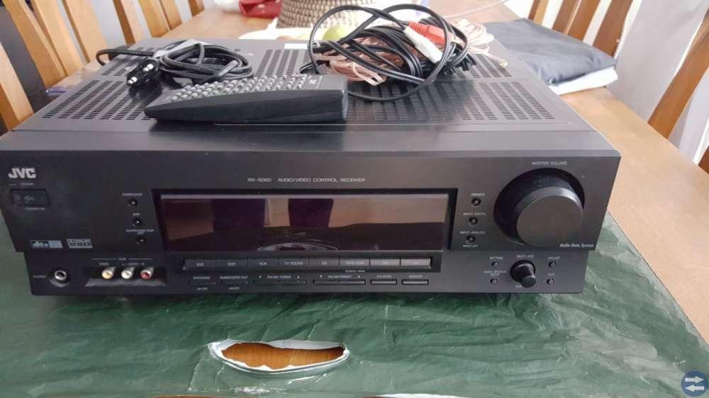 JVC förstärkare och två Proson högtalare