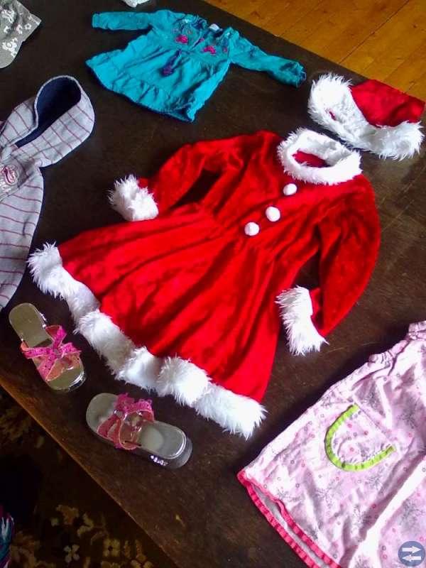 Barnkläder, drygt 50 olika plagg