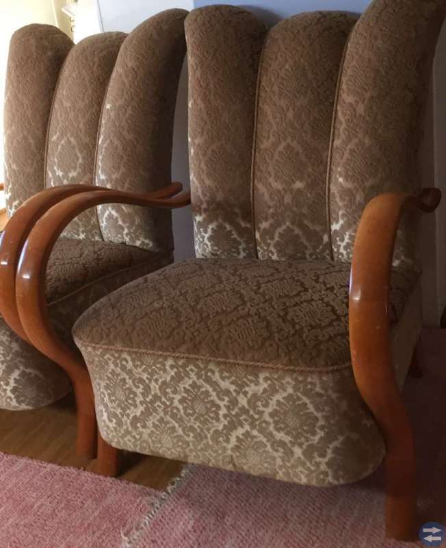 1 soffa och 2 fåtöljer