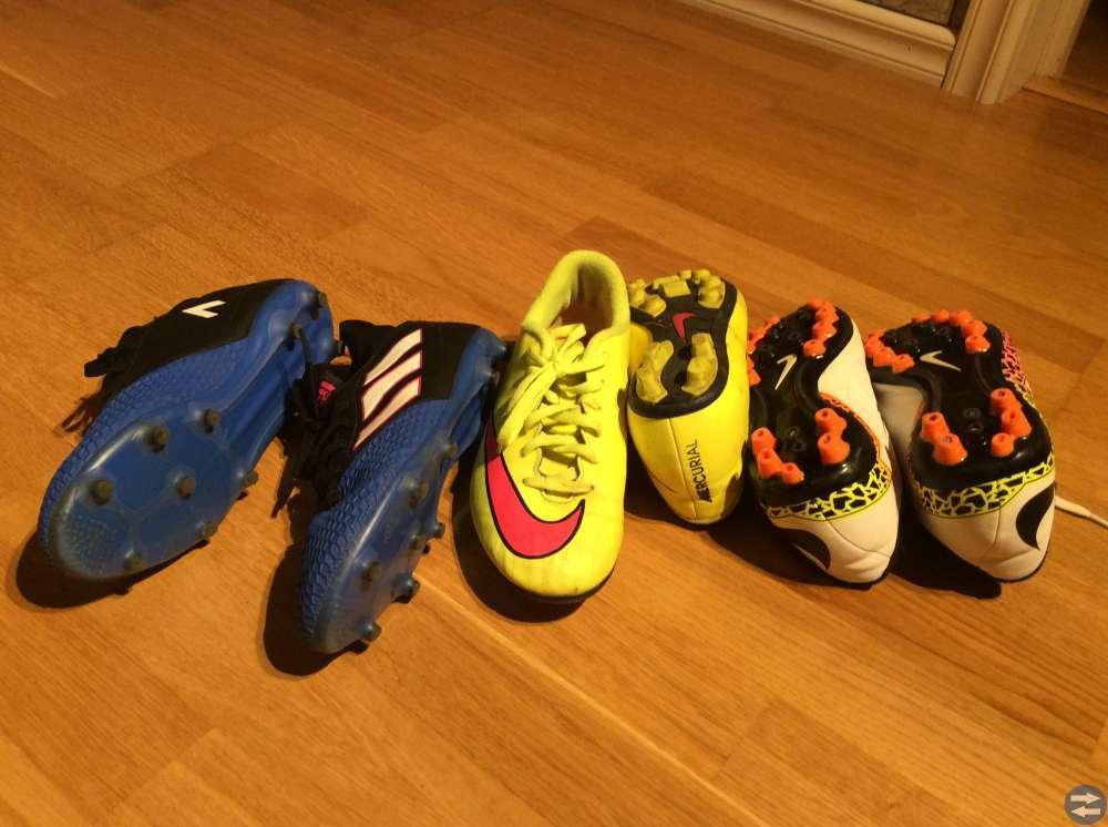Fotbollsskor