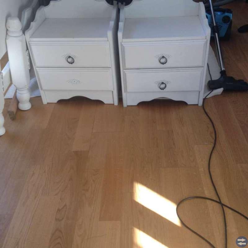 Dubbelsäng med två sängbord