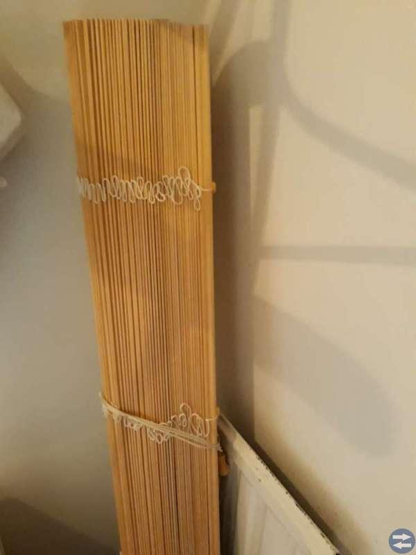 Rullgardiner kan användas som gardiner