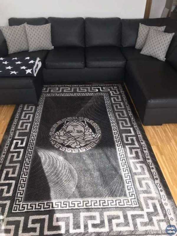 Skin svart divan soffa mycket fin