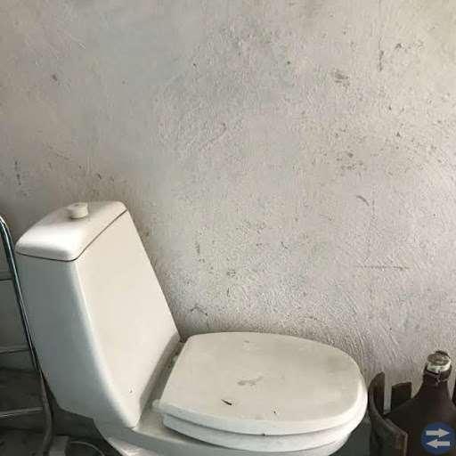 Badrumsskåp, flera olika handfat, toastol