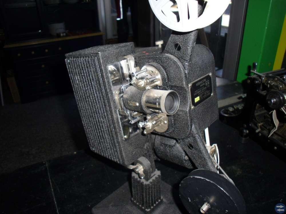 16 MM. FILM FREMVISER