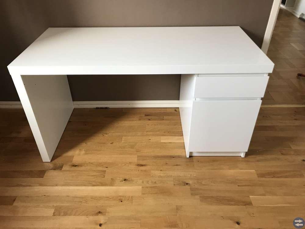Malmbyrå och skrivbord (Ikea)
