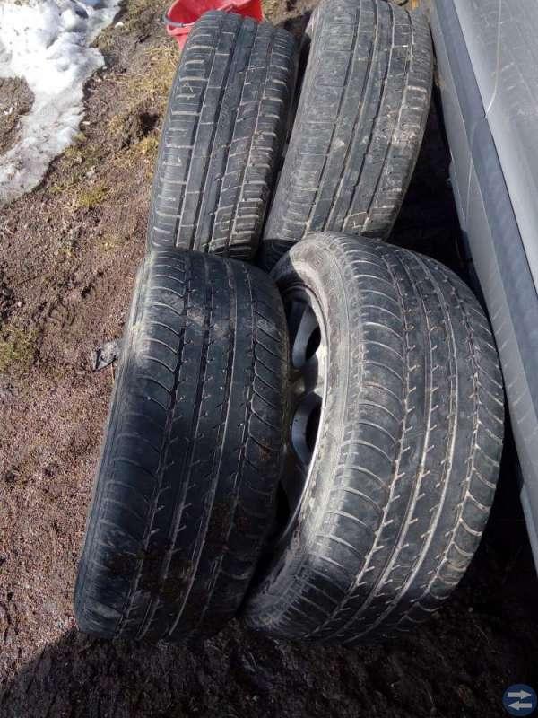 Volvo fälgar + däck