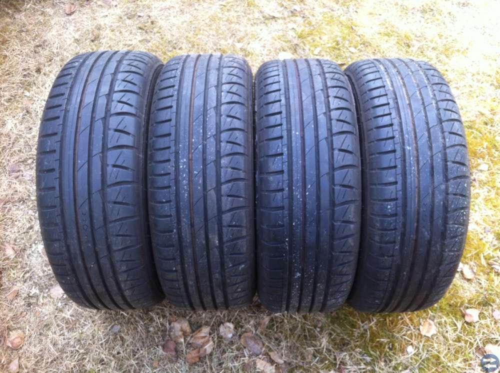 Sommardäck Ford Escort RS, däcken är i nyskick