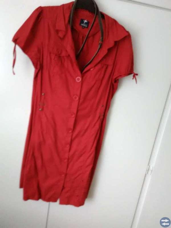 Röd kortärmad klänning - Ljungbytorget.se - Annonsera gratis på ... 8c3326c66712b