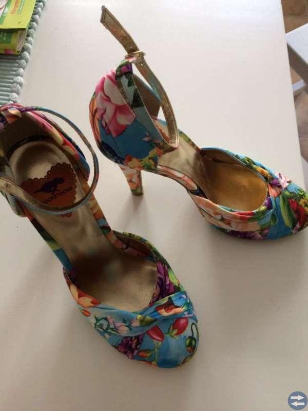 Balklänning med passande skor