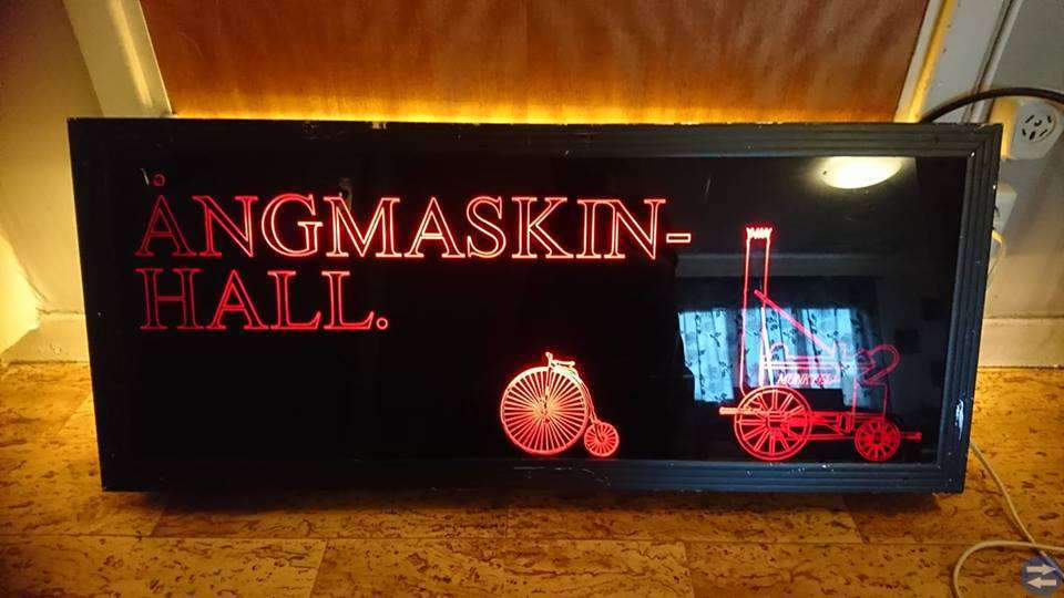 Större Ljuskylt-Munktell Ångmaskin Hall