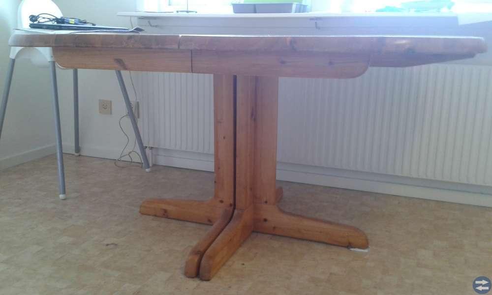 Bord i trä