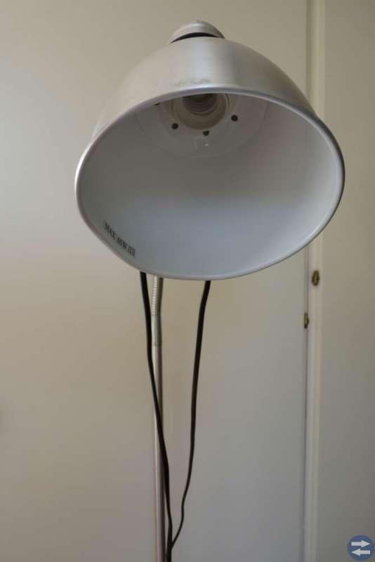Golvlampa i aluminium (Retro / industri)