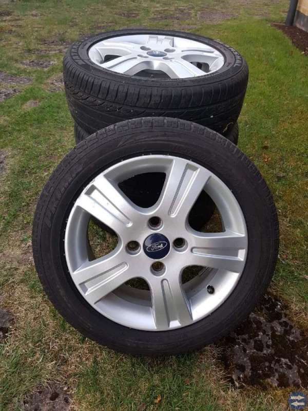 Ford Fiesta sommardäck