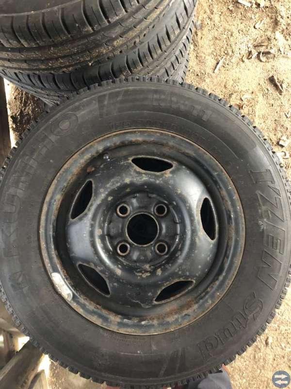 Fälgar+däck. Bultmönster 4/100