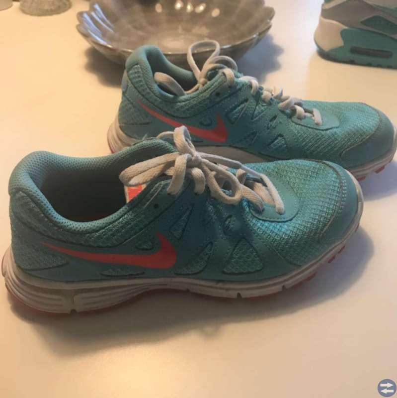 Nike skor strl 36