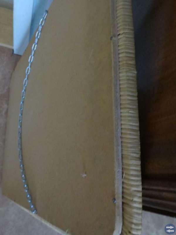 Retro! Väggspegel med flätat mönster.  70 x 47 cm.