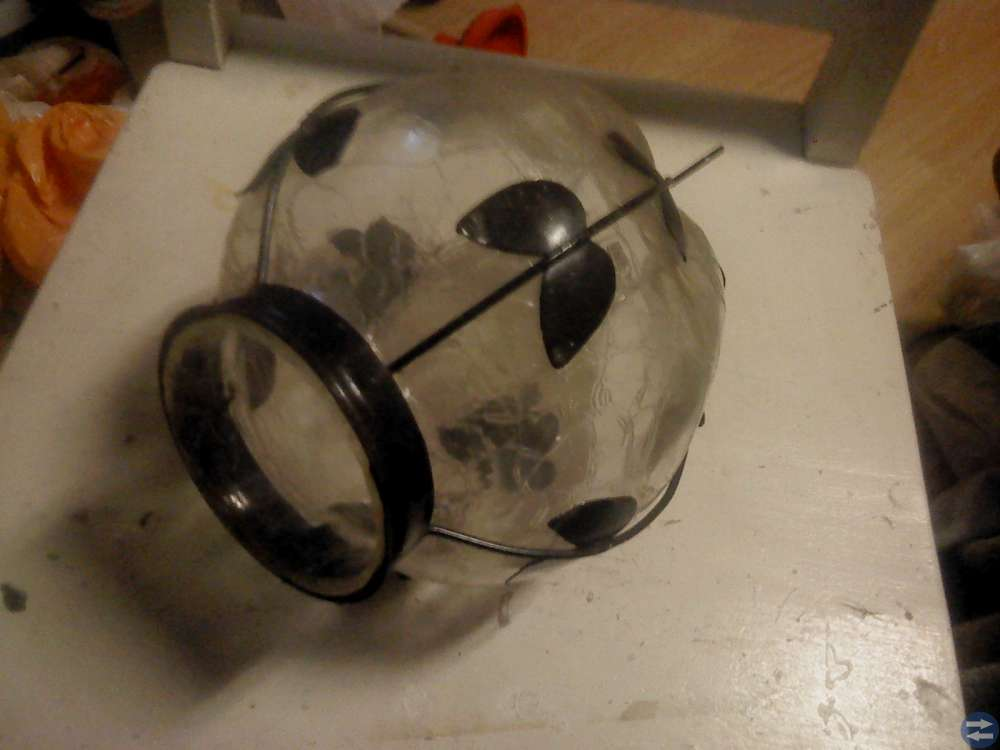 Lampkupa av skansenglas