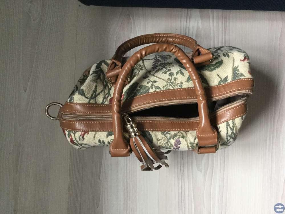 Skor storlek 38 och handväska
