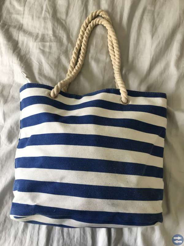 2 väskor köpta på Kreta