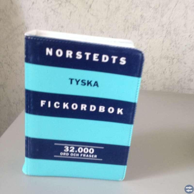Norsteds ordbok  på tyska