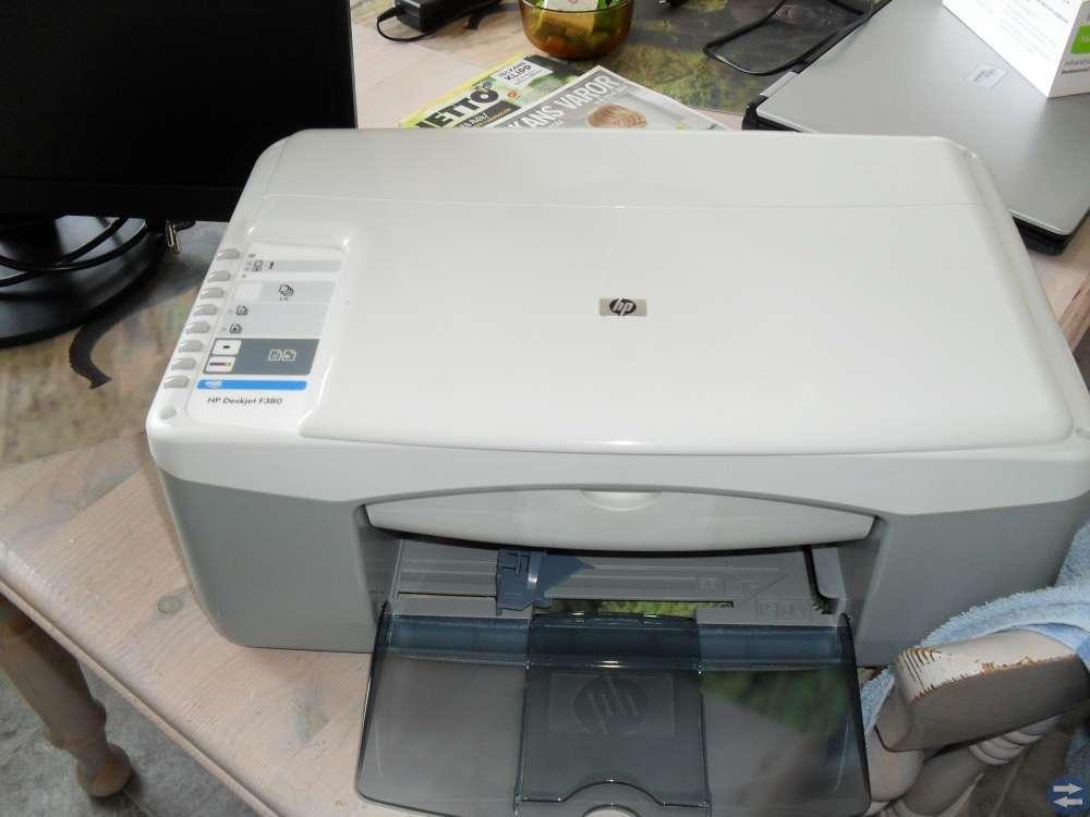 Säljer fin data skärm 19 tum och hp skrivare