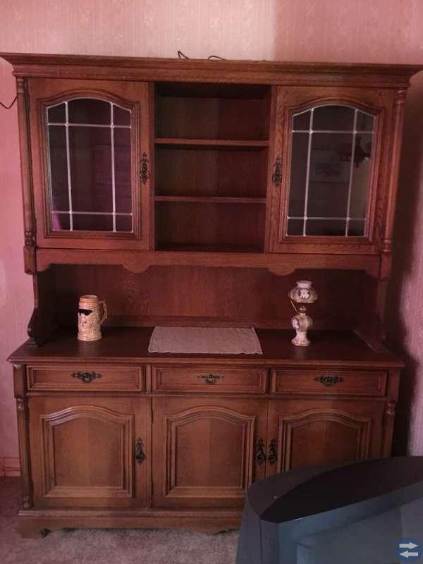 2 bokhyllor med belysning vitrinskåp