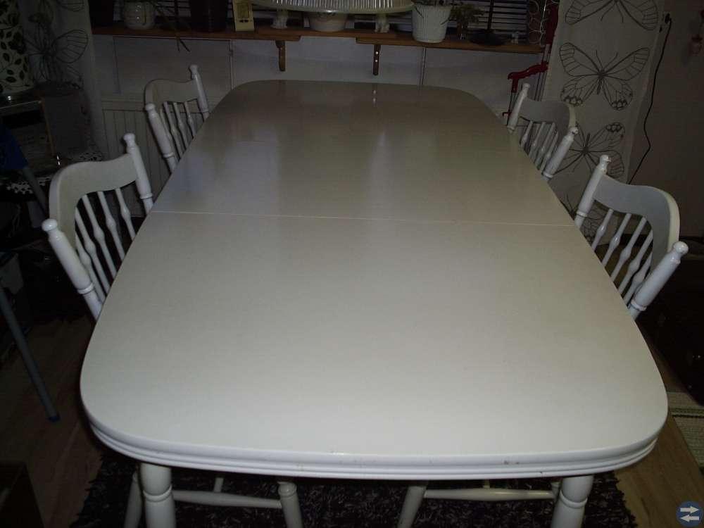 Köksbord med 4 st stolar