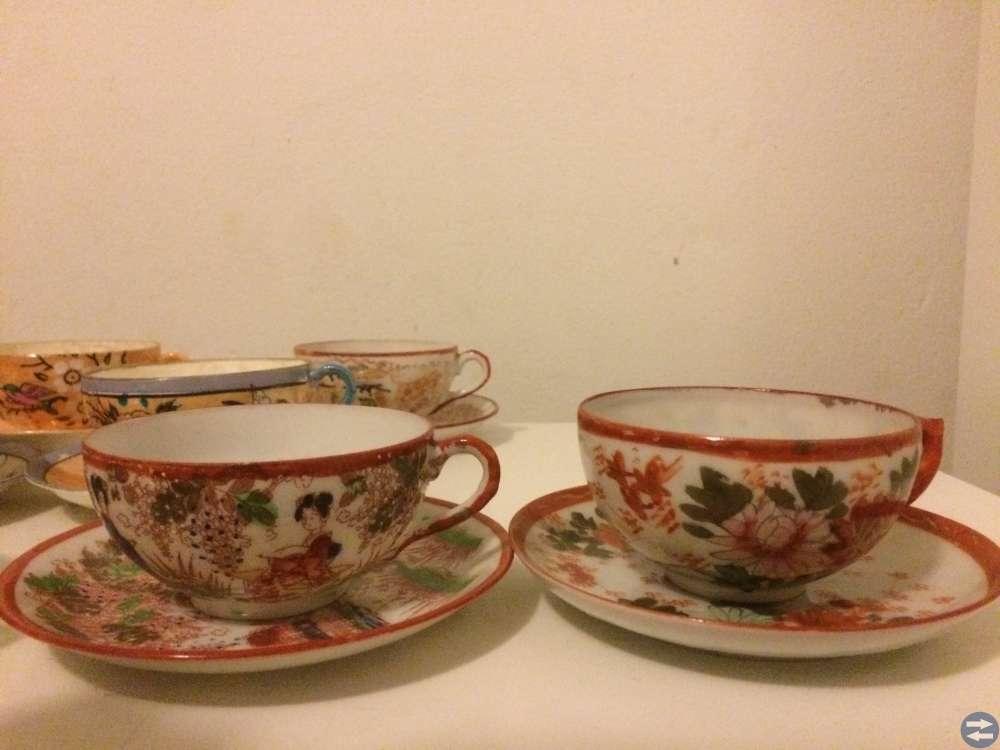 Tio kaffekoppar med japanskt/kinesiskt mönster