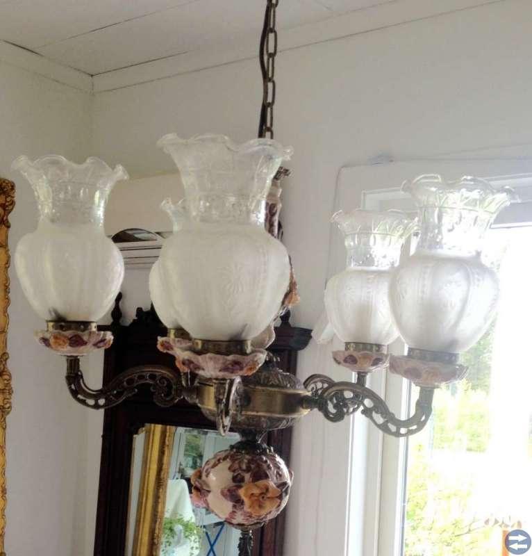 Vacker gammal lampa