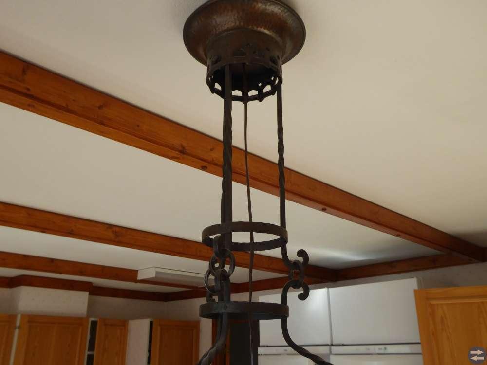 Gammal lampa, ljuskrona