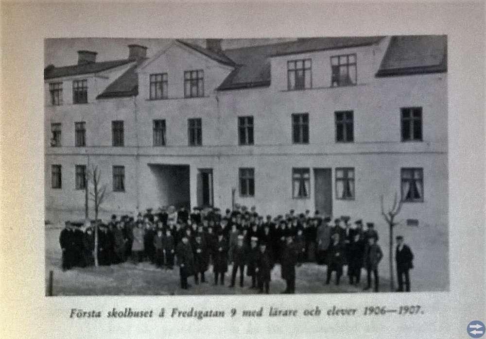 KATRINEHOLMS ENSKILDA LÄROVERK 1906 -- 1956 mm