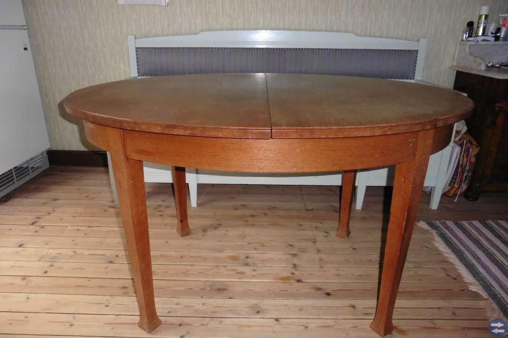 Ekbord, ovalt med 3 iläggsskivor