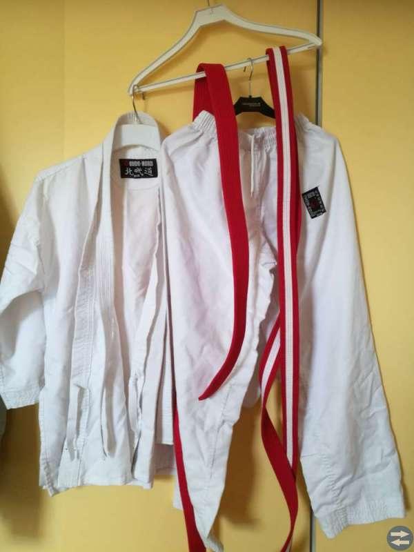 Taekwondo och kararedräkt
