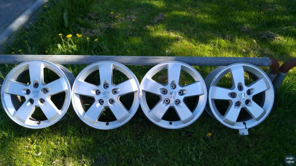 Aluminium-fälgar 5/108 i finfint skick