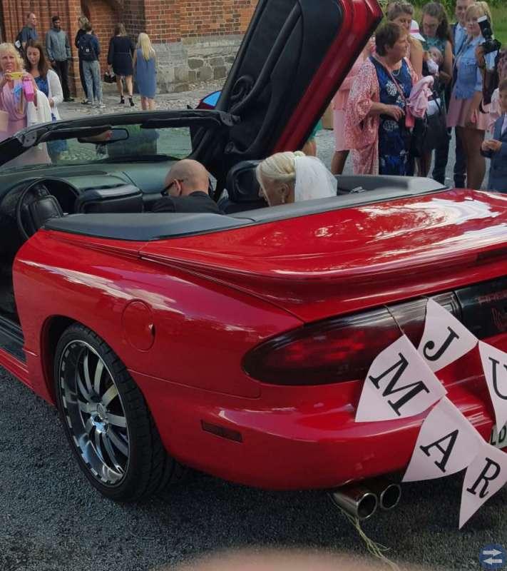Härlig bil till bröllop student fotografering
