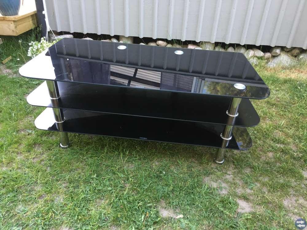 Barbord, stolar, matta och tv bänk