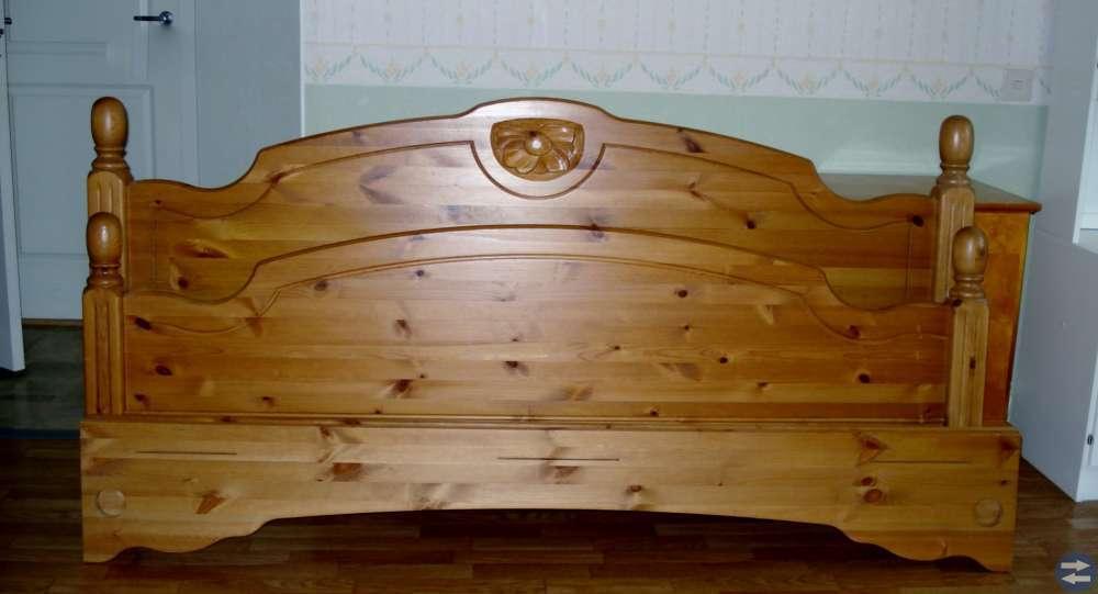 Träpersienner+sänggavlar+kökslampa