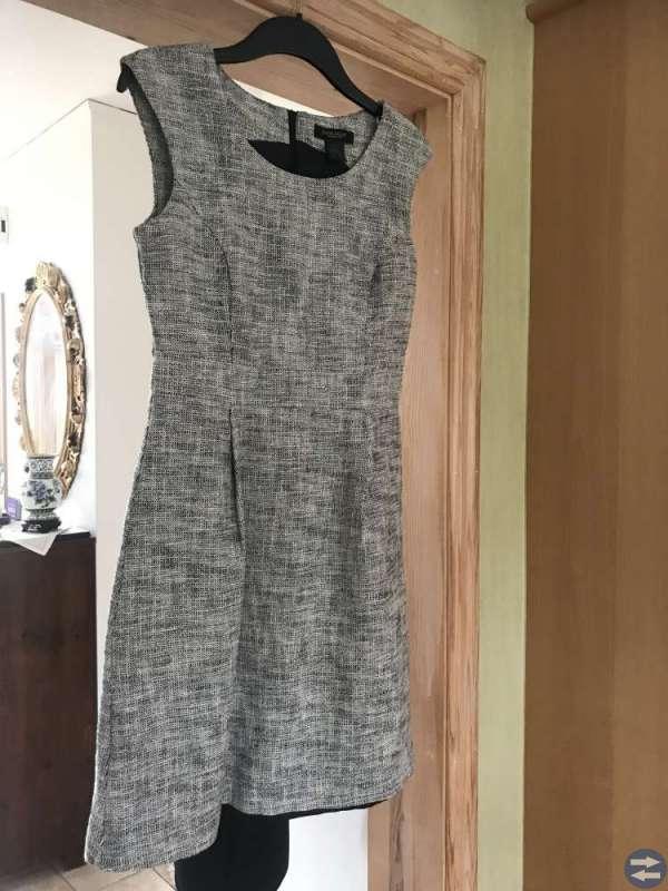 Klänningar och byxor