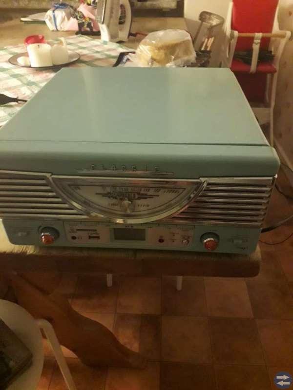 Retroskivspelare med radio