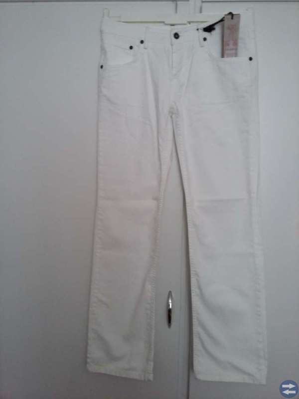 NYA! BZR Vita jeans 98 bomull 2 elaston strl 30/32