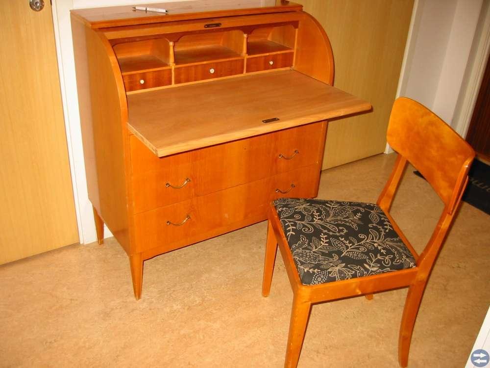 SEKRETÄR med tillhörande stol