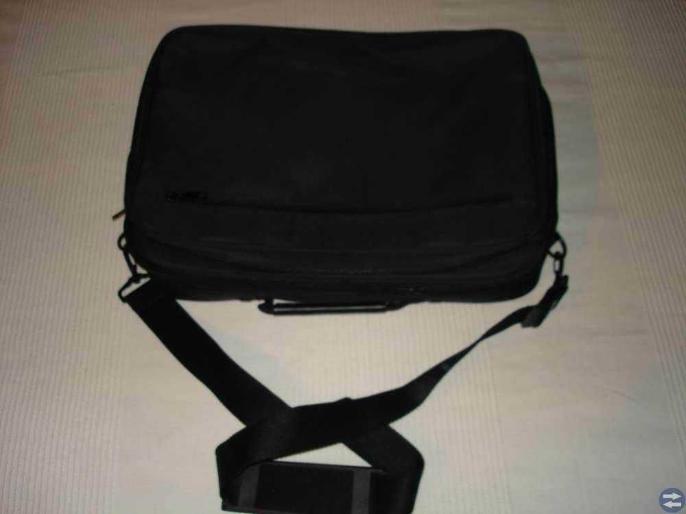 Väska till bärbar dator
