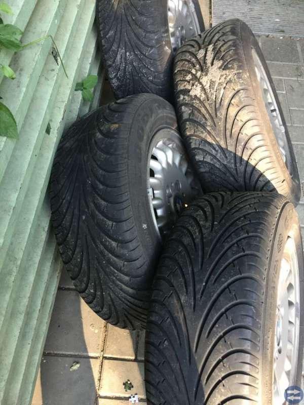 Sommardäck på BMW fälgar