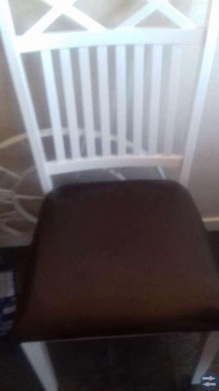 Nya stolar