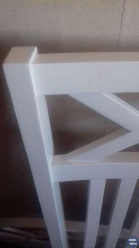 2 st nya stolar