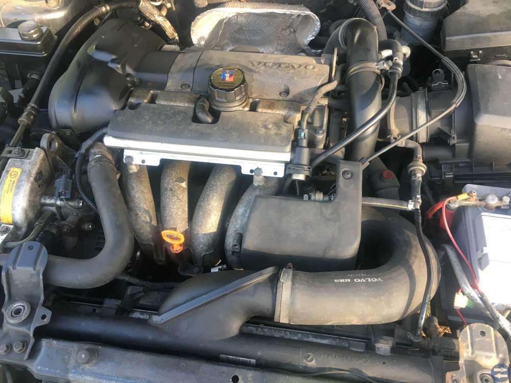 Volvo V-40 turbo 00 års
