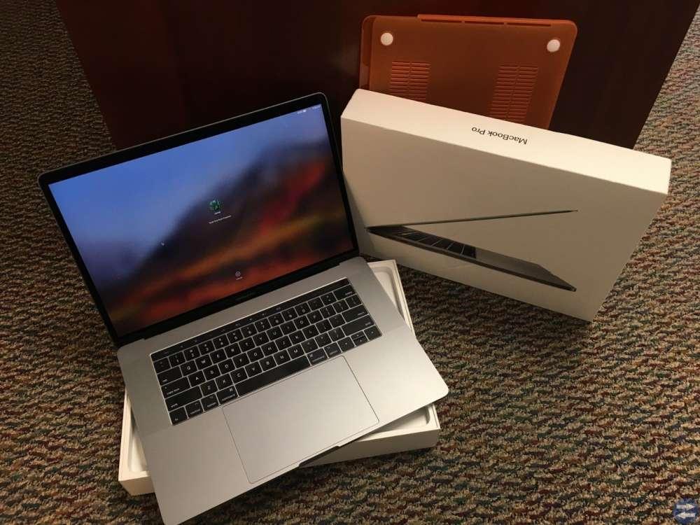 New Apple Macbook Pro 13'' core i7